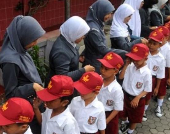 FAKTA DIBALIK ANAK INDONESIA: INDONESIA GAWAT DARURAT PENDIDIKAN KARAKTER